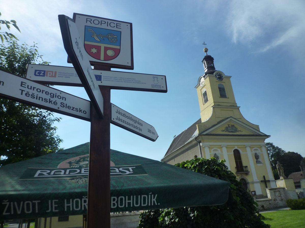 Nowe miejsce startu - Ropica przy kościele